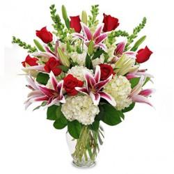 Arreglo de Rosas y Hortencias
